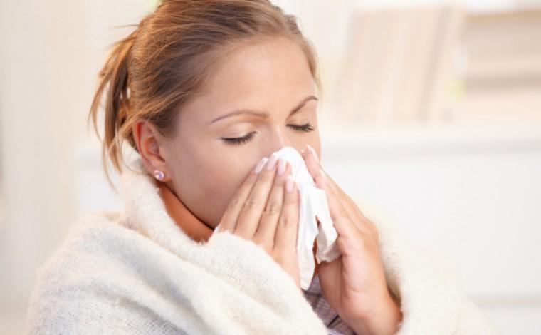 Com variantes, sintomas da Covid mudam e ficam parecidos com gripe