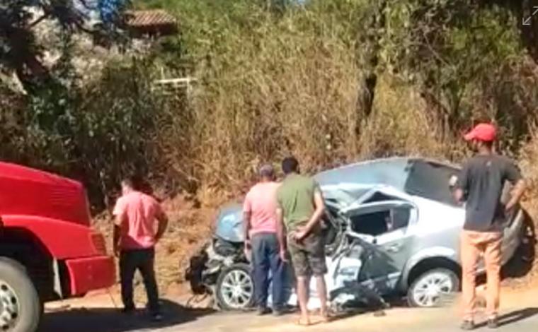 Uma pessoa morre em grave acidente na MG-238 próximo ao Catavento