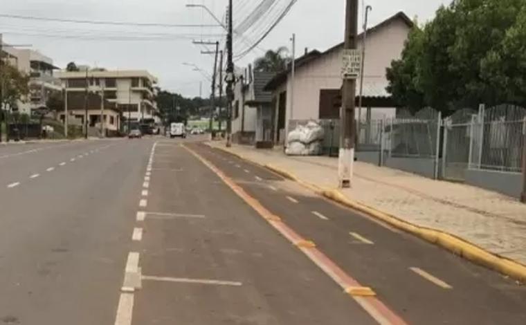 Recém-nascida é arremessada de ônibus e abandonada em avenida no Rio Grande do Sul