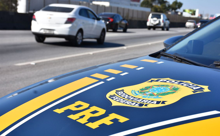 Motociclista esfaqueia agente da PRF após ter moto apreendida e é preso na Grande BH