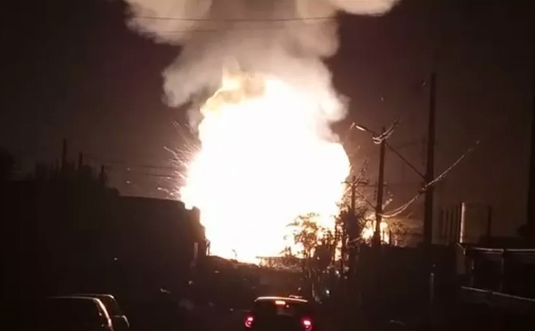 Caminhão explode em posto de combustível em Rio Claro e deixa 1 morto e 15 feridos; veja vídeo