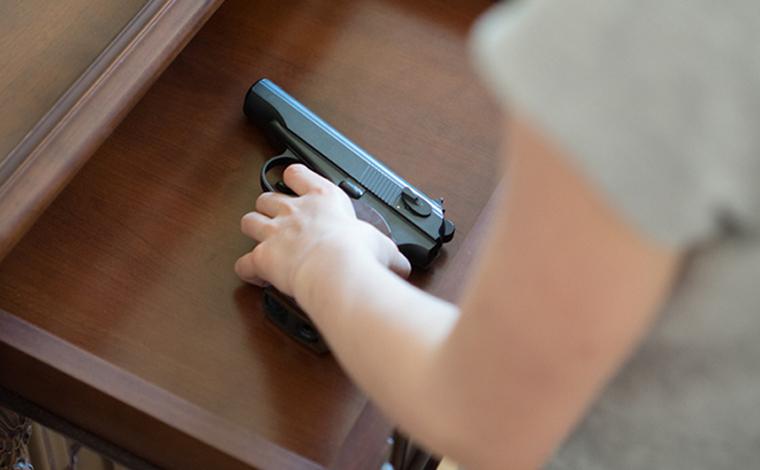 Mulher é procurada pela polícia suspeita de matar companheiro a tiros na Grande BH