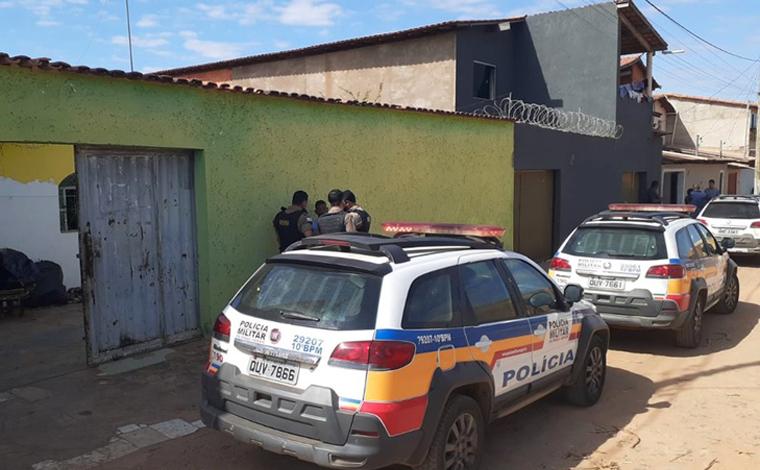 Criança de um ano é encontrada morta dentro de casa no Norte de Minas; pai é suspeito do crime