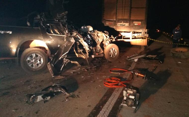 Idoso morre em acidente entre carro e caminhonete na BR-381, na Região Central de Minas