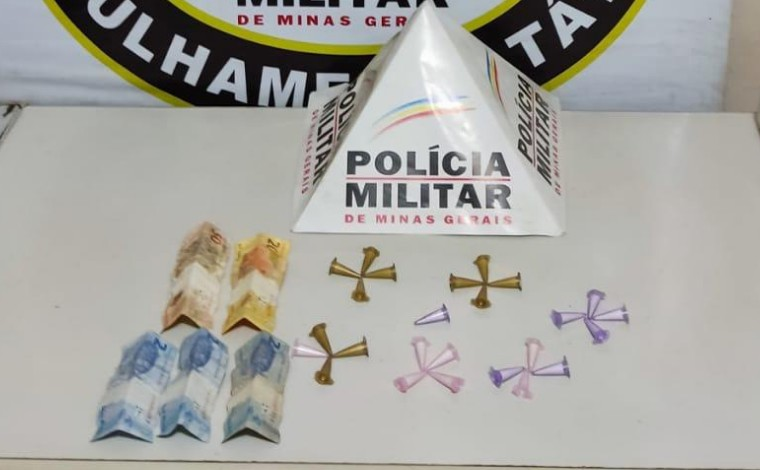 PM apreende adolescentes por tráfico de drogas e prende homem suspeito de roubo em Matozinhos