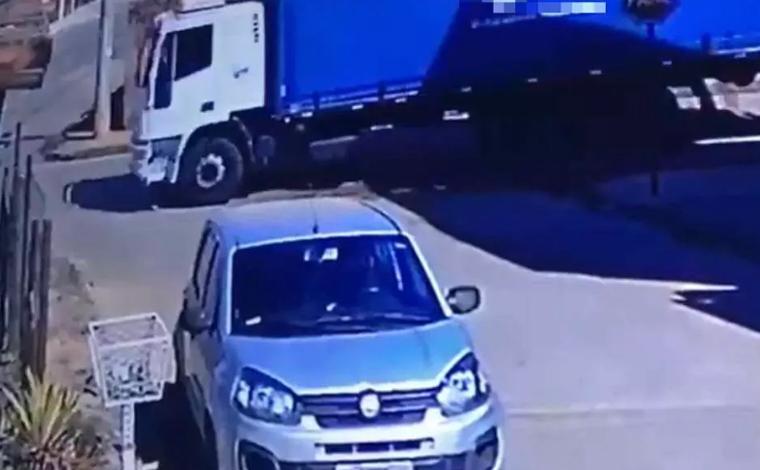 Adolescente de 15 anos morre após ter a cabeça esmagada por caminhão no Noroeste de Minas