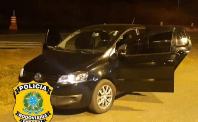 PRF prende suspeito de assalto a loja de celulares e recupera veículo roubado, em Sete Lagoas