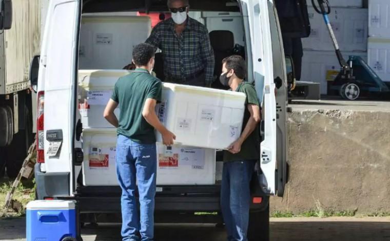 Covid-19: Governo de Minas distribui 380 mil novas doses de vacina AstraZeneca à regionais