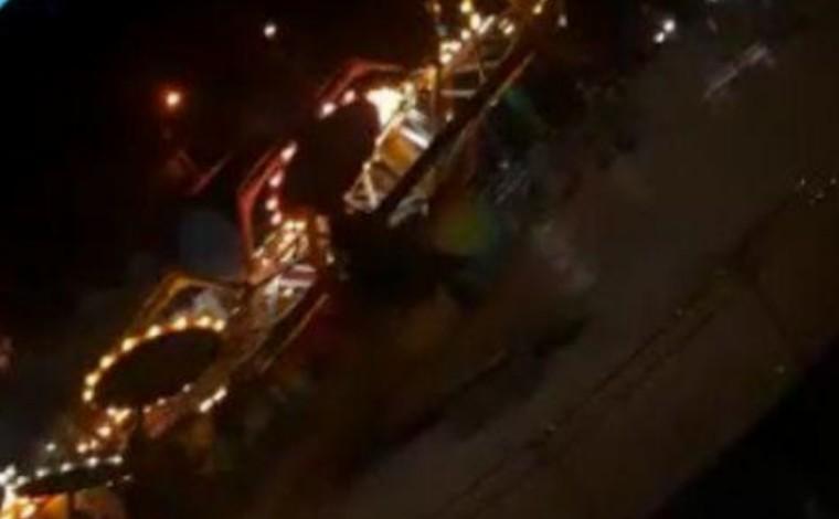 Adolescentes ficam feridas após serem arremessadas de brinquedo em parque de diversão no ES