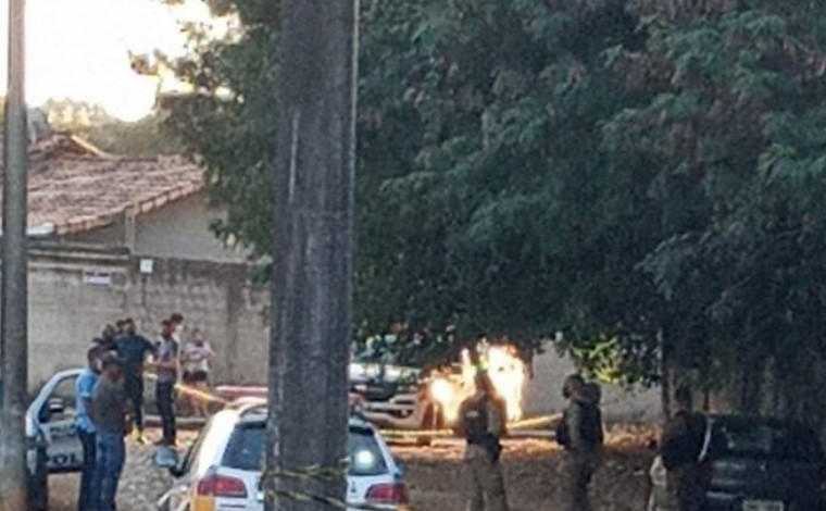 Homem é suspeito de matar mulher a tiros e cometer suicídio no bairro Vapabuçu em Sete Lagoas