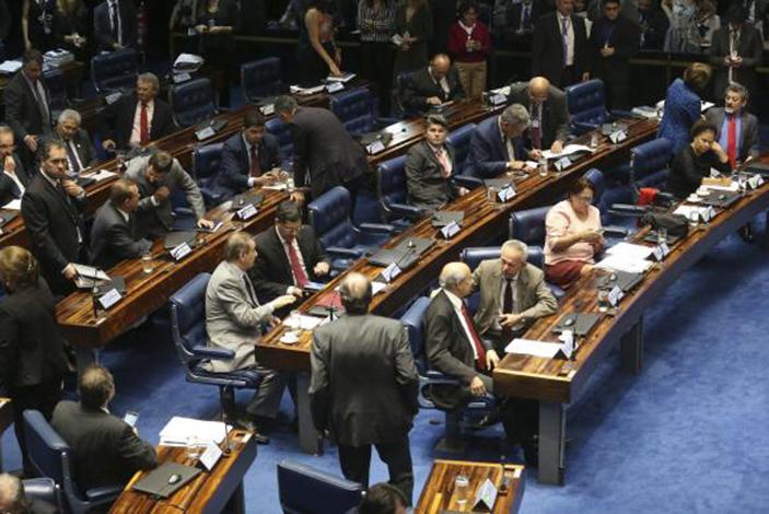 Senado aprova em 2º turno Pec que limita gastos públicos
