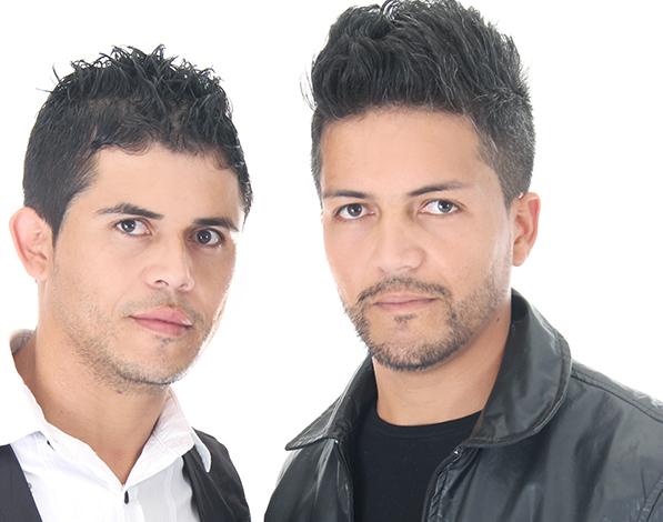 Dupla João Paulo e Henrique se apresenta no Shopping Sete Lagoas