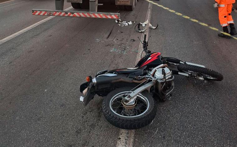 Motociclista morre após ser atropelado por caminhão no Anel Rodoviário de Belo Horizonte