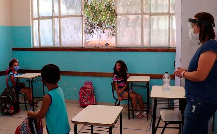 Ensino Infantil, Fundamental II e EJA retornam às aulas presenciais em Sete Lagoas