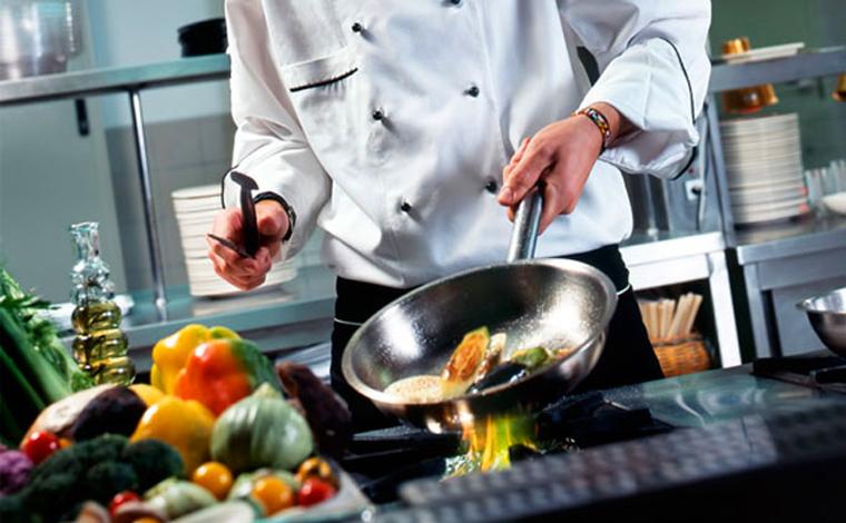 Empresa de Sete Lagoas oferece vagas de emprego para Auxiliar de Cozinha e Auxiliar de Restaurante