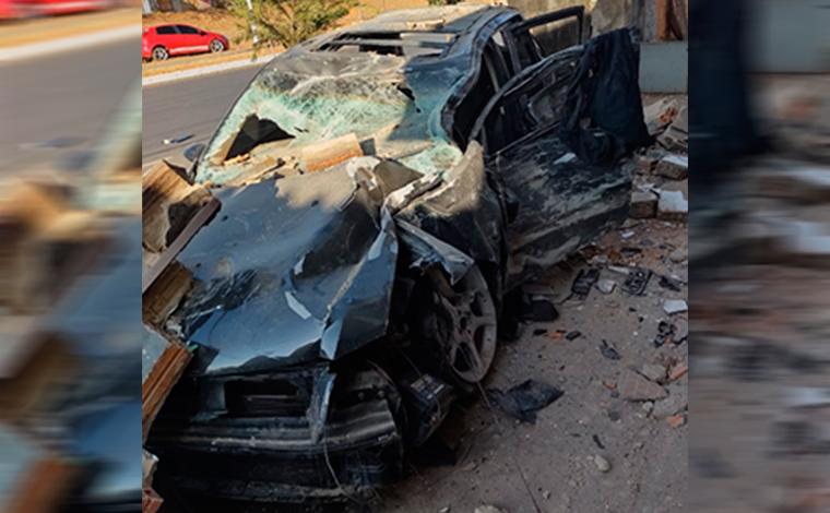 Homem morre em grave acidente na Avenida Norte-Sul em Sete Lagoas