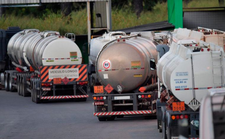 Tanqueiros anunciam paralisação por tempo indeterminado em Minas Gerais