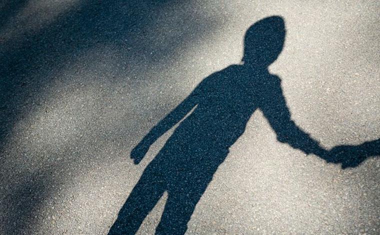 Menina de 5 anos morre após ser estuprada e jogada em rio por amigo da mãe em Lajeado