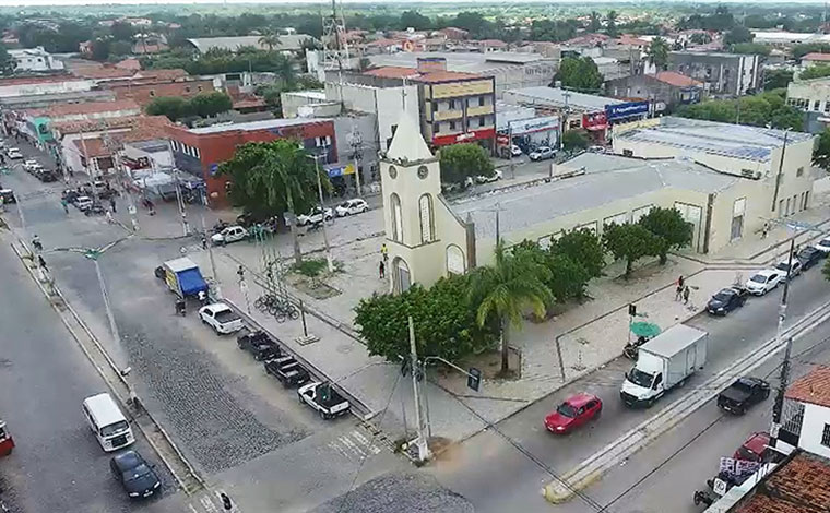 Bebê de um ano é assassinada a tiros enquanto mamava no colo da mãe no município de Horizonte