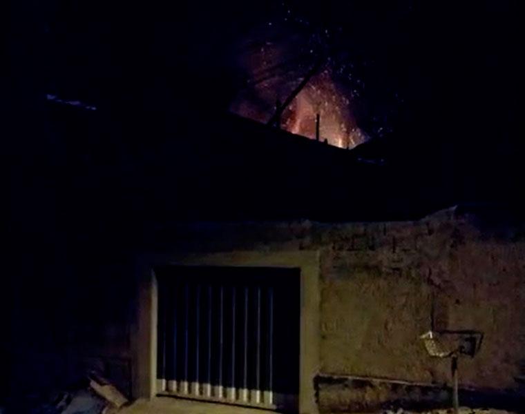 Incêndio causado por fogão a lenha atinge residência no bairro Alvorada em Sete Lagoas