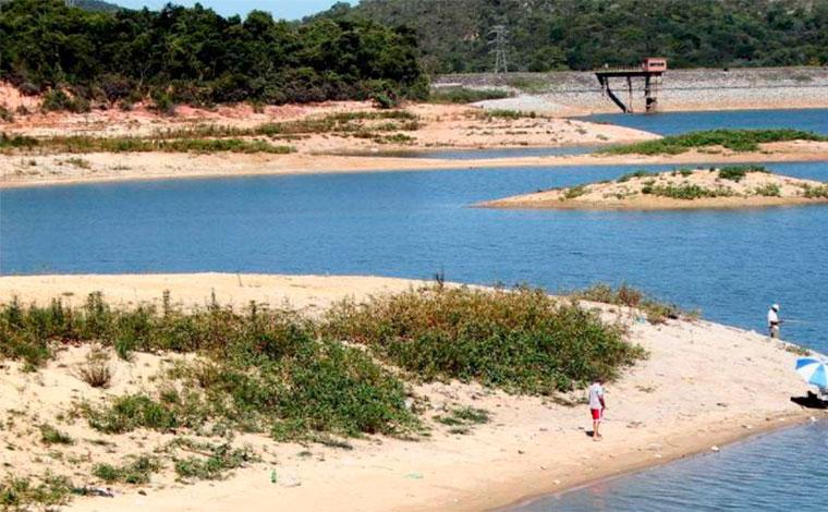 Mulher morre após colisão com motos aquáticas na lagoa Várzea das Flores, em Contagem