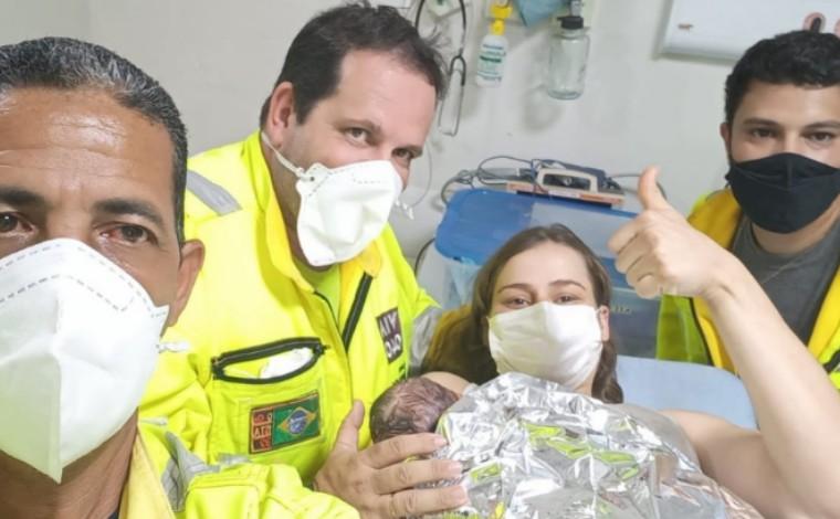 Mulher dá à luz a um menino em ambulância no Anel Rodoviário, em Belo Horizonte