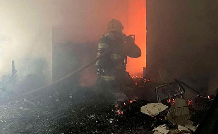Homem dorme com cigarro aceso e provoca incêndio em apartamento na Savassi, em BH