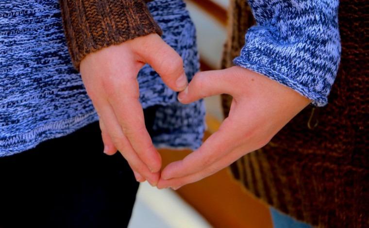 Amor em família: mulher perde 30 Kg para poder doar rim a irmã com doença extremamente rara