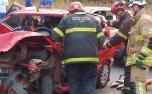 Homem fica preso às ferragens após engavetamento envolvendo três veículos na Grande BH