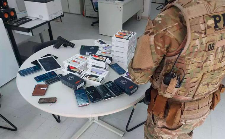 Grupo é preso após roubar carga de R$ 115 mil em loja de celulares em Pompéu