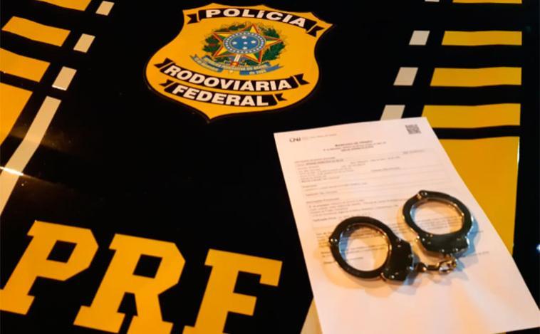 Suspeito de matar uma pessoa com 17 facadas em Contagem foi preso pela PRF em Sete Lagoas