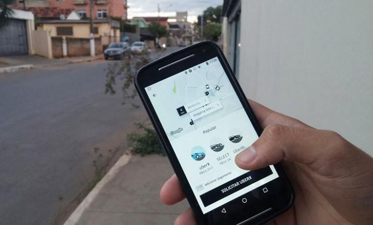 Uber exclui mais de 1500 motoristas por cancelamento constante de corridas
