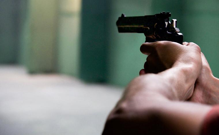 Homem mata namorado da ex-mulher na frente da filha no Topo do Mundo, em Brumadinho