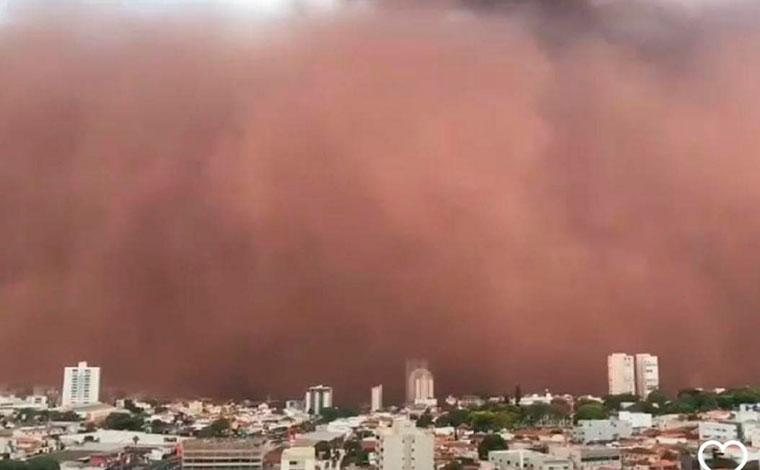 Tempestade de areia atinge cidades do interior de Minas Gerais e São Paulo