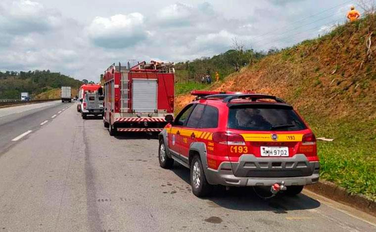 Homem morre eletrocutado após subir em poste de alta tensão na BR-040
