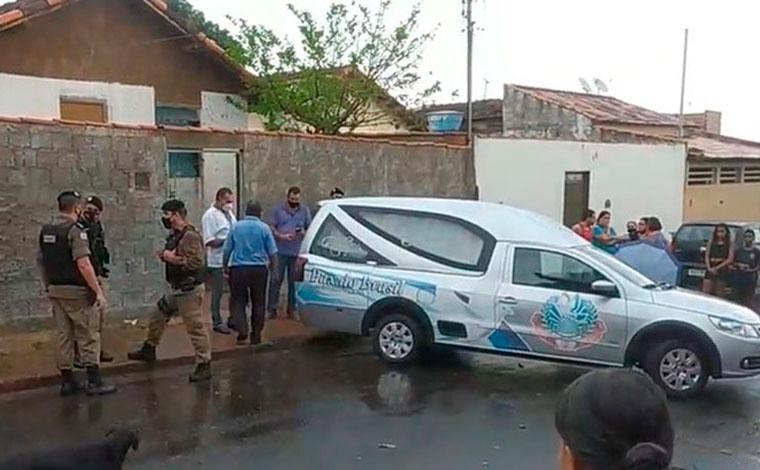 Criança de 9 anos é morta a facadas no interior de Minas; suspeito é agredido e morto por populares