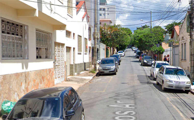 Médico é encontrado morto dentro de carro em avançado estado de decomposição em Belo Horizonte