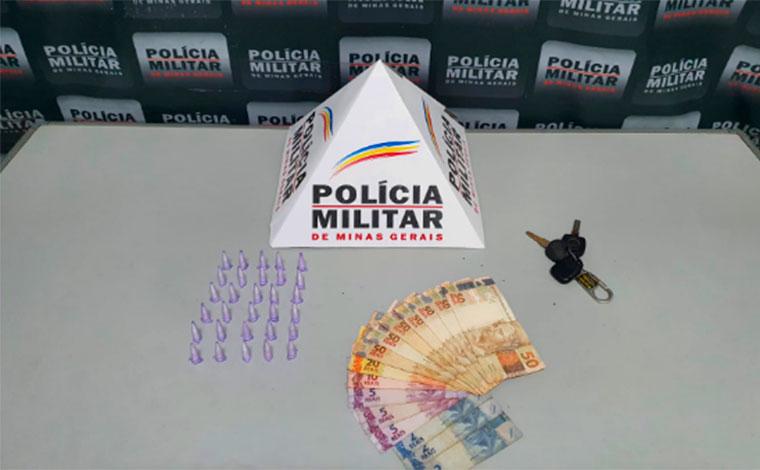 Após denúncia, PM prende suspeito de tráfico e apreende drogas em Sete Lagoas