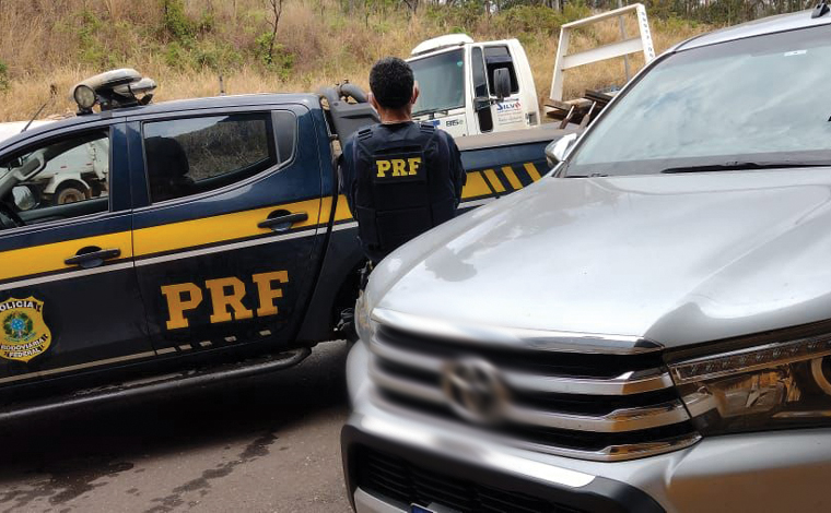 Polícia Rodoviária Federal recupera perto de Sete Lagoas, caminhonete roubada em 2017