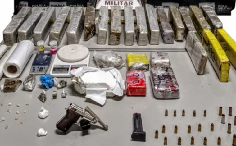 Homem é preso com grande quantidade de drogas, munições e arma de fogo no Itapuã, em Sete Lagoas