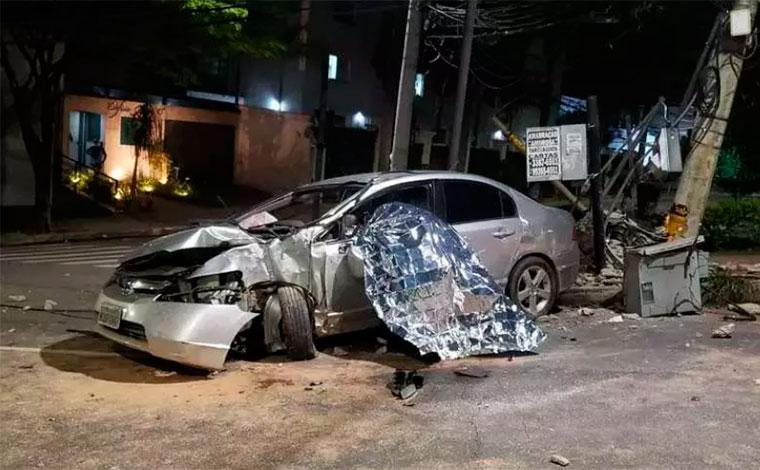 Motorista morre ao bater carro em poste na região Oeste de Belo Horizonte