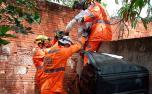 Menino de 10 anos tem braço perfurado por vergalhão após cair de laje no Norte de Minas