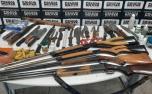 Homem é preso com diversas armas e munições no bairro Jardim dos Pequis em Sete Lagoas