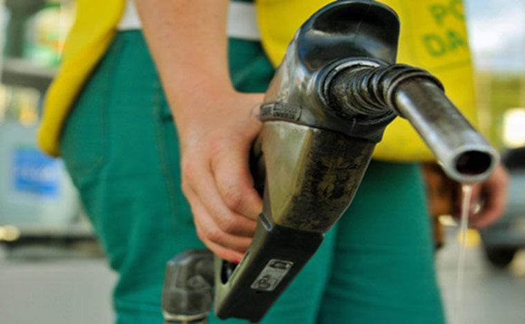 Gasolina sobe 3,3% em uma semana e chega a custar mais de R$ 7 o litro, segundo a ANP