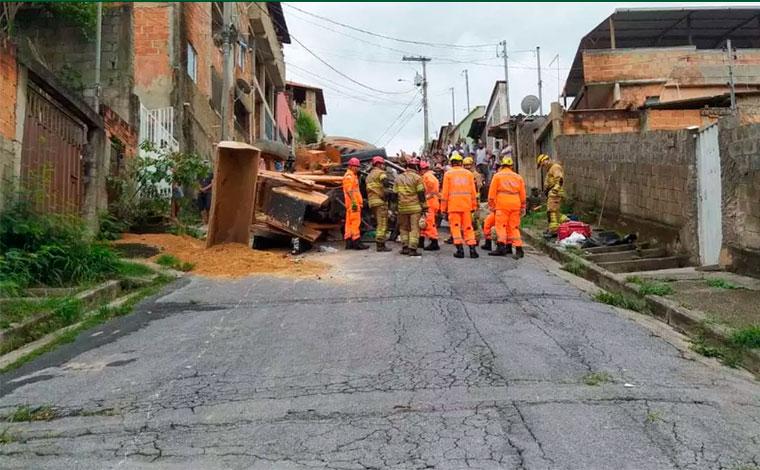 Trator tomba e amputa perna de motorista na região Nordeste de Belo Horizonte