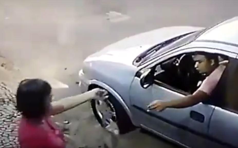 Polícia prende assaltantes que roubaram senhora no Jardim Arizona