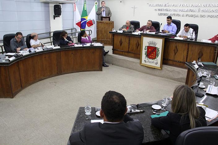 Câmara ouve secretário de Saúde sobre decreto de calamidade financeira
