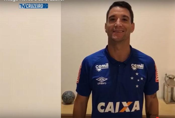 Cruzeiro oficializa a contratação do meia Thiago Neves