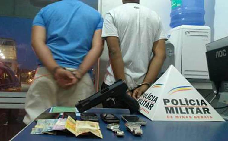 Polícia prende dupla que assaltava usando carro clonado em Sete Lagoas