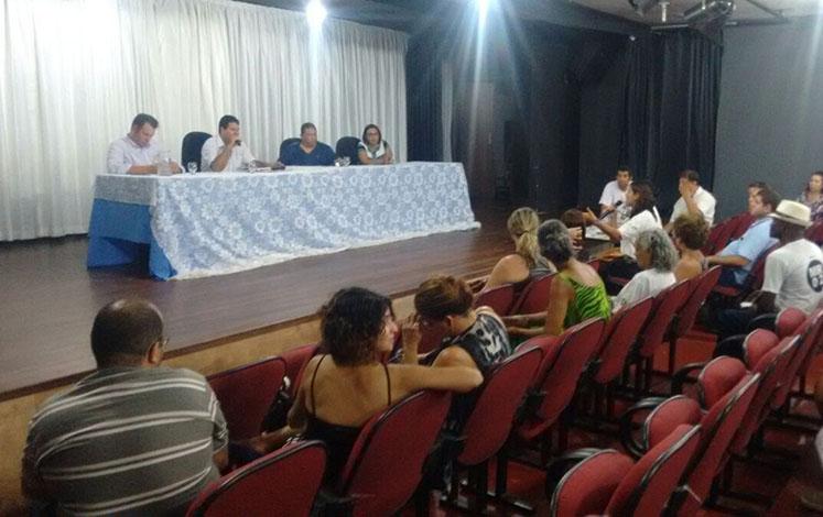 Artistas e poder público discutem soluções para espaços culturais